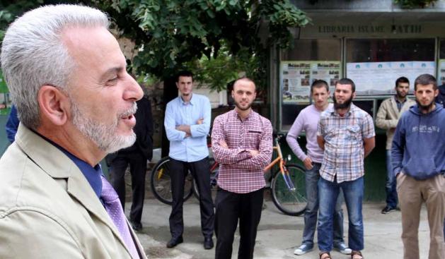 Fuad Ramiqi, i lindur më 26 mars 1960, në Pozharan komuna e Vitisë. Aktualisht kryetar i Lëvizjes Islame Bashkohu – LISBA.
