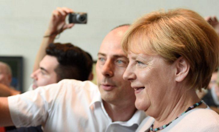 Ofensiva e butë e Angela Merkelit