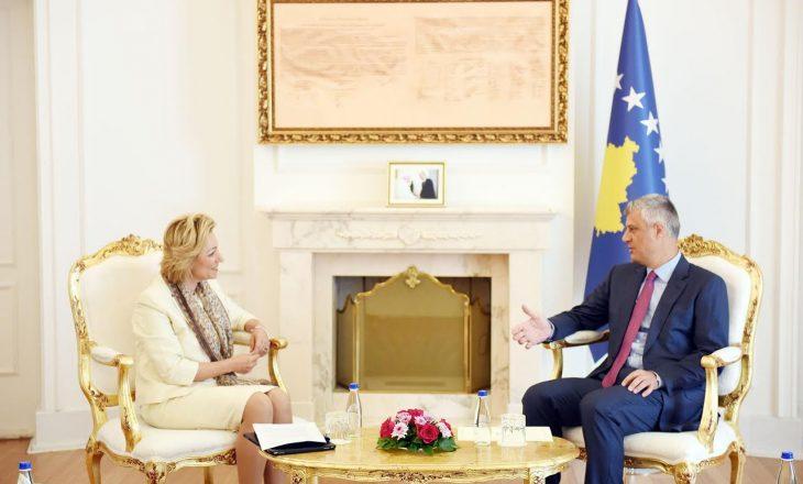 Thaçi kërkon liberalizim të vizave nga shefja e re e Zyrës së BE-së në Kosovë