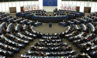 Parlamenti Evropian rikonfirmon kushtin për liberalizimin e vizave