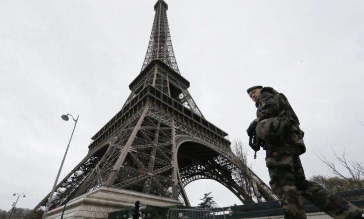 Fëmijët francezë i kthehen shkollës nën masa të reja të sigurisë