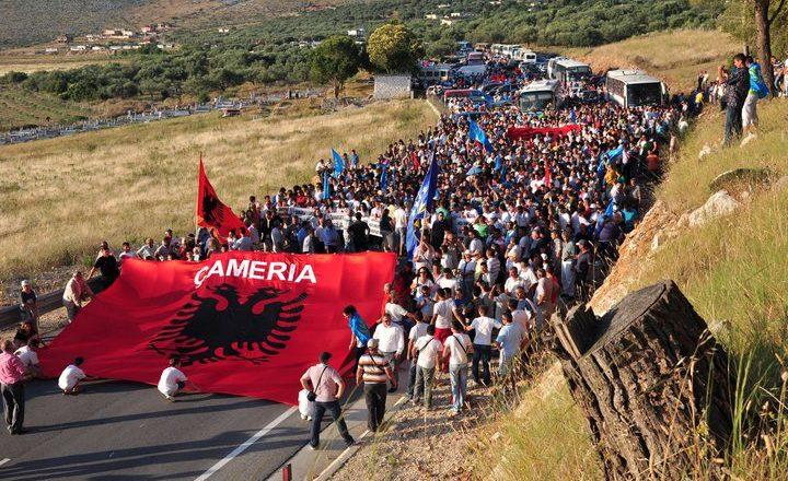 Deklarata e Johannes Hahn për çështjen çame nxitë zemërim në Greqi