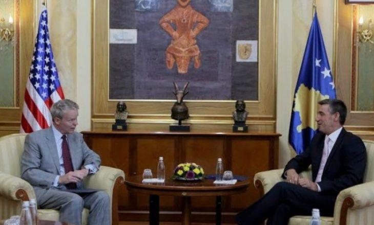 Veseli dhe ambasadori Delawie në takim të paparalajmëruar
