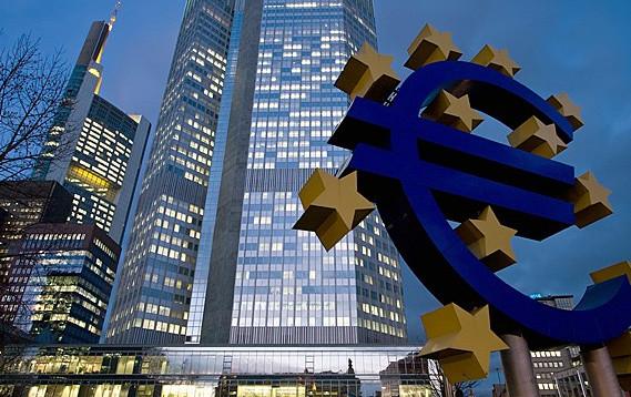 Ekonomia e Eurozonës vazhdon të jetë në rënie