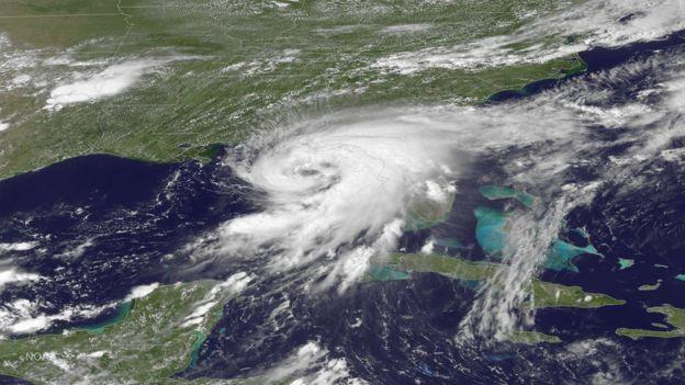 Florida goditet nga uragani Hermine