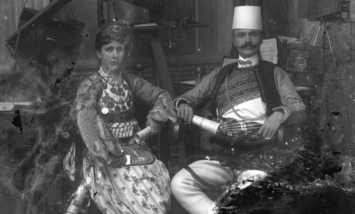 """100 vitet e fotografisë shqiptare dhe """"artisti kontrovers"""" takohen në Amsterdam"""