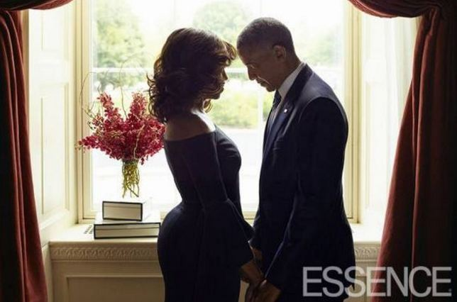 Fotoja e çiftit Obama që tërhoqi vëmendjen e të gjithëve