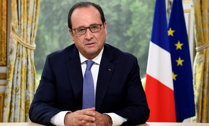 Franca kujton viktimat e sulmeve terroriste