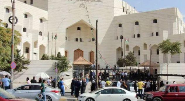 Gazetari jordanez vritet para gjykatës