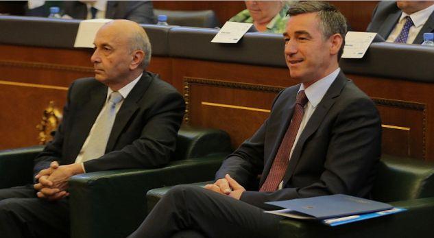 Mustafa e Veseli ftojnë opozitën në takim në fillim të tetorit
