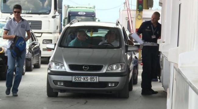 """Marrëveshja për targat parandaloi """"bllokadën, kaosin dhe dhunën"""""""