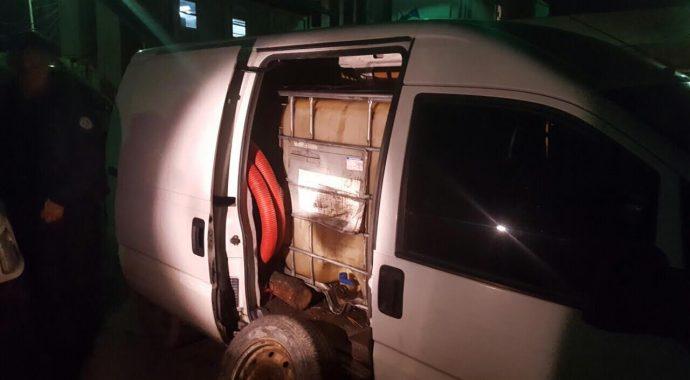 Kapen 3000 litra naftë gjatë tentim kontrabandimit në Mitrovicë