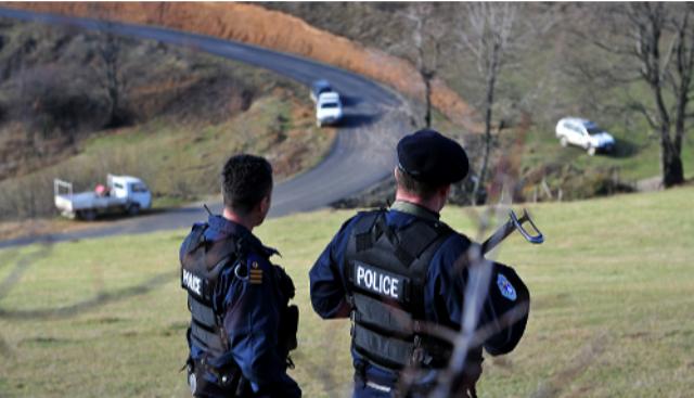 Tentojnë kontrabandë – ndalohen dy shqiptarë në Jarinjë