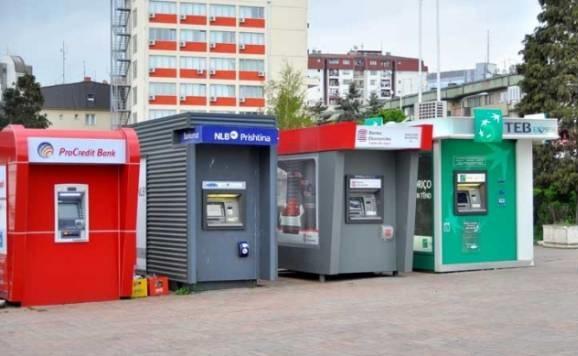 Bankat në Kosovë për një muaj fituan 8.4 milion euro