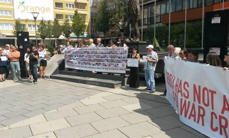 Në Prishtinë u protestua kundër kandidimit të Jeremiq për Sekretar të OKB-së