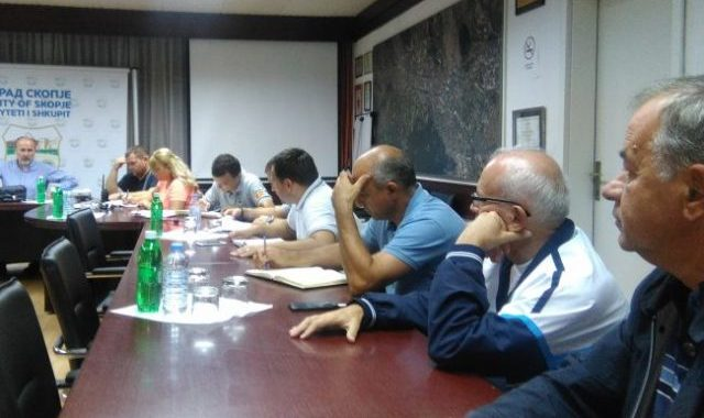 Mobilizohen ekipet për mbrojtje dhe shpëtim në qytetin e Shkupit