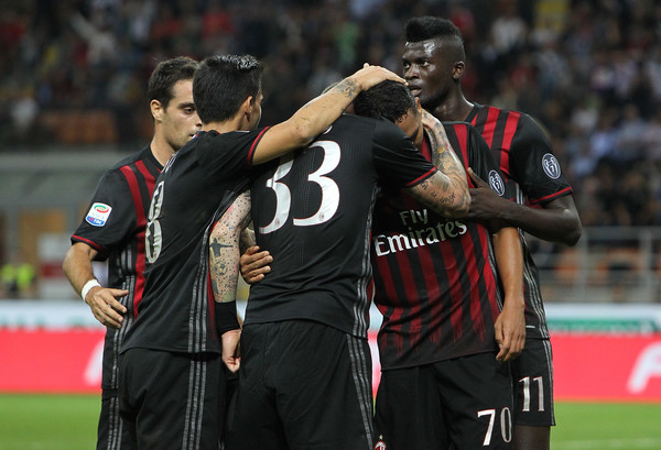Humbje në debutim për Strakoshën, triumfon Milani
