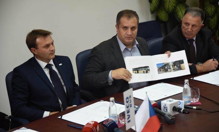 Nënshkruhet kontrata për blerjen e 51 autobusëve të Prishtinës