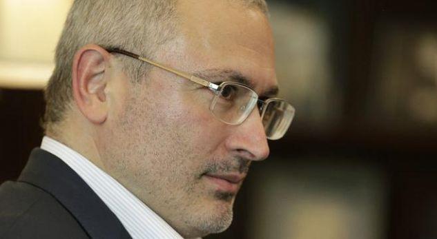 Pasaniku rus nis kërkimin për zëvendësuesin e Putinit