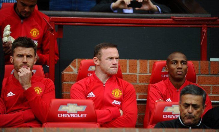 Mourinho flet rreth vendimit për të lënë Rooney-n në bankë rezervë