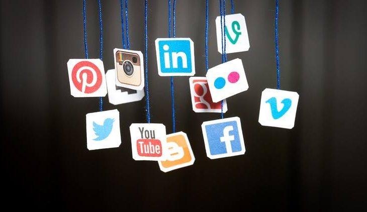 Të rinjtë përdorin rrjetet sociale për t'u informuar
