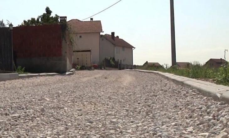 """Rruga e """"bllokuar"""" nga i ati i zëvendëskryeministrit të Kosovës"""