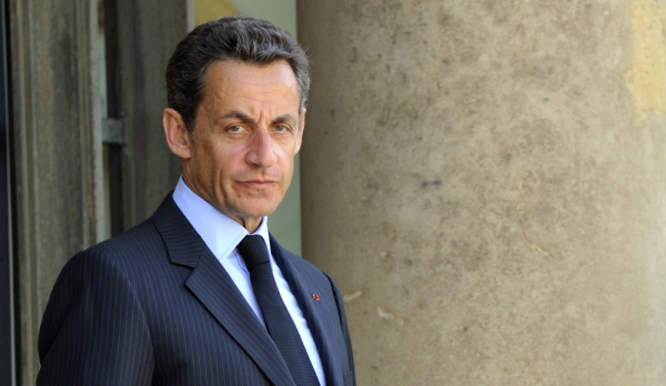 Libri i Sarkozy thyen rekordet e shitjes në Francë
