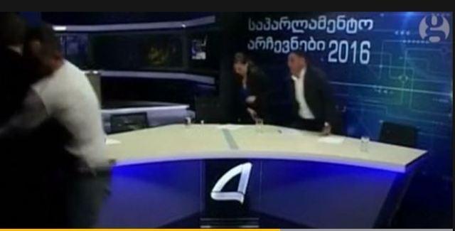 Në Gjeorgji, politikanët rrihen në studion televizive
