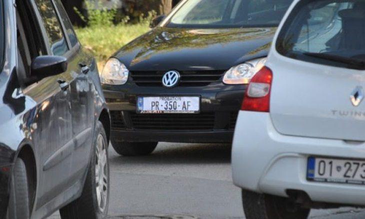 Reuters: Targat prej letrës zemërojnë vozitësit kosovarë