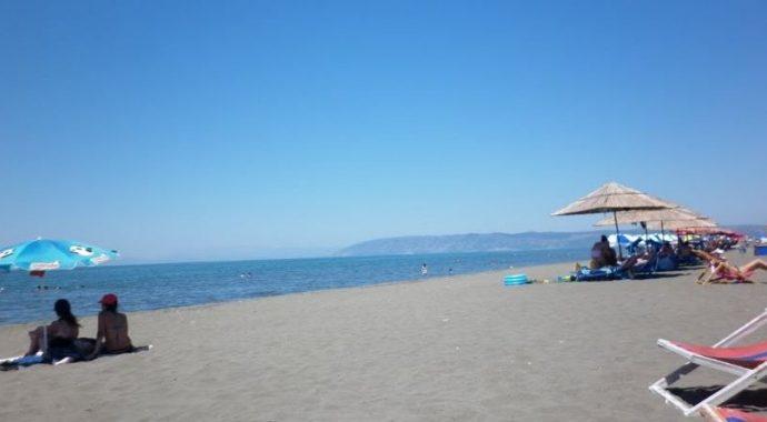 Një pushues nga Kosova humb jetën në plazhin e Tales