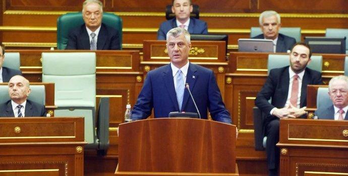 Liderët shtetëror heshtin ndaj arrestimit të shefit të policisë në Mitrovicë