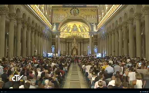 Vatikani foli shqip, himni 'Valsi Hyjnor' kulmoi në koncertin për Nënën Terezë