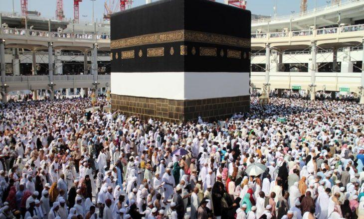 1 milion njerëz zbarkojnë në Mekë për haxh