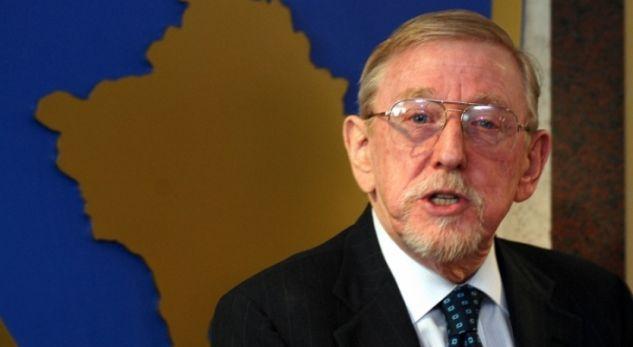 Walker: Politikanët e Kosovës nuk janë patriotë