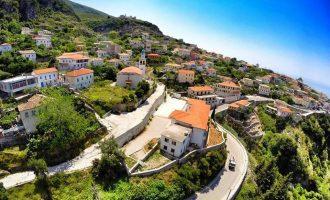 """Kërcënimi grek ndaj BE-së për """"shtëpitë e grekëve në Himarë"""""""