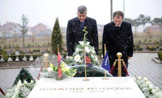 Thaçi e lidh atentatin ndaj Rugovës me koalicionin me PDK-në