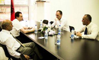 LDK dhe opozita habiten me deklaratën Veselit për zgjedhje të parakohshme
