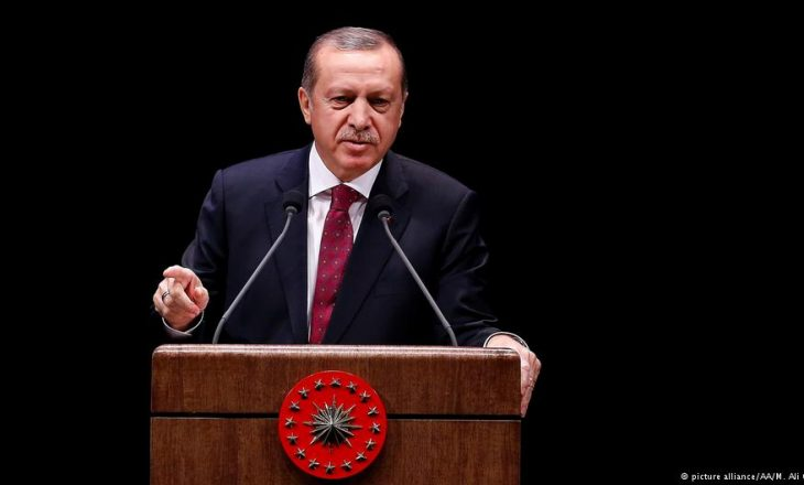 Erdogan: Holanda është përgjegjëse për masakrën e Srebrenicës