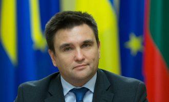 Mosnjohja e Kosovës, Kievi: Moska përdor Krimenë