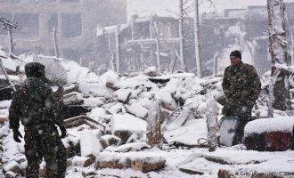 Borë në Siri, moti i keq vështirëson jetën e refugjatëve