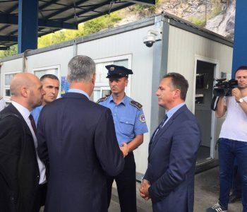 Vëllai i armatosur i presidentit Thaçi kërcënon policin