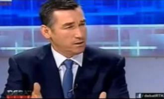 Kadri Veseli ia mbyllë sërish syrin një gazetari [video]
