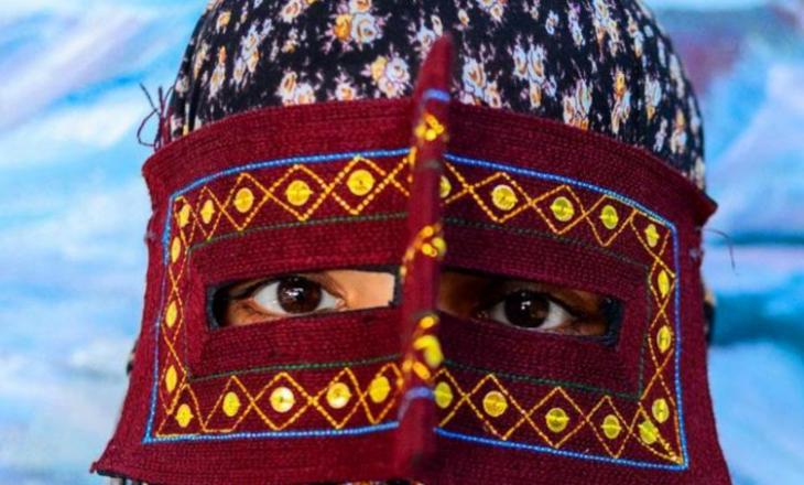 Gratë misterioze të maskuara të Iranit