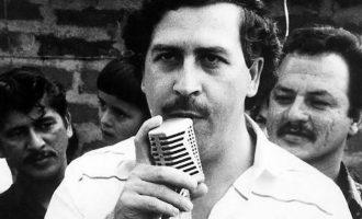 Vëllai i Pablo Eskobarit rrëfehet për milionat e vëllait të tij