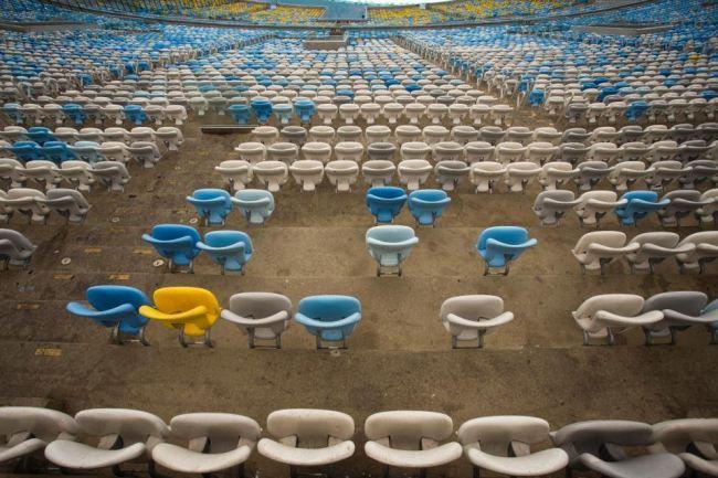 Stadiumi i kampionateve botërore drejt shkatërrimit