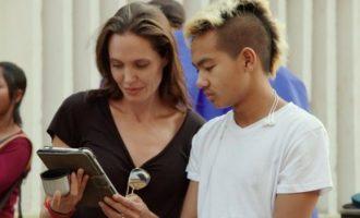 Jolie: Kampoxhia ka qenë një zgjim për mua