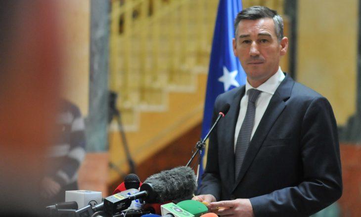 Veseli: Pa heqje të fletëarresteve, nuk ka dialog me Serbinë