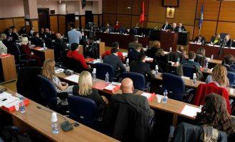 Edhe Kuvendi komunal i Prishtinës mbanë seancë për Haradinajn