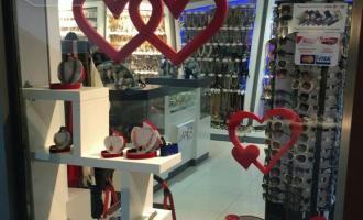 Bie kostoja e Shën Valentinit – bizhuteri të lira për dashurinë