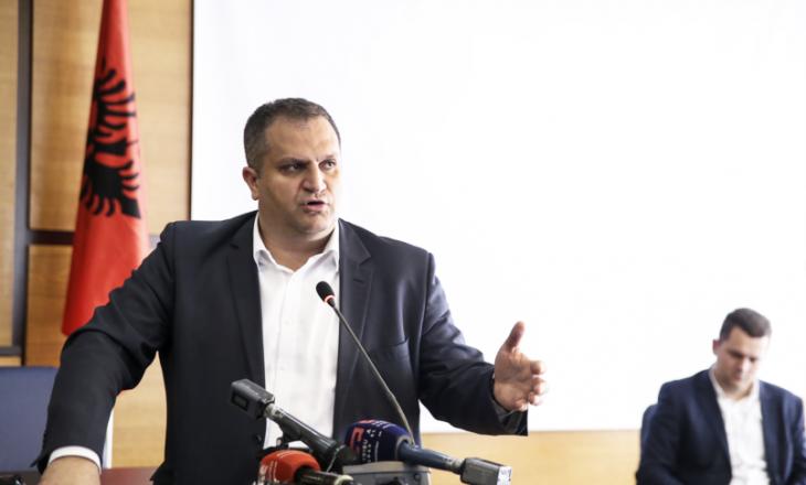 Shpend Ahmeti e mohon se u shetit me jaht